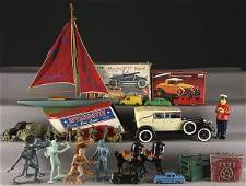 933 A LARGE GROUP OF VINTAGE TOYS AND VEHICLES
