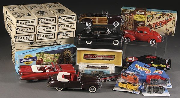 935E: FIVE DANBURY MINT PRECISCION MODEL CARS