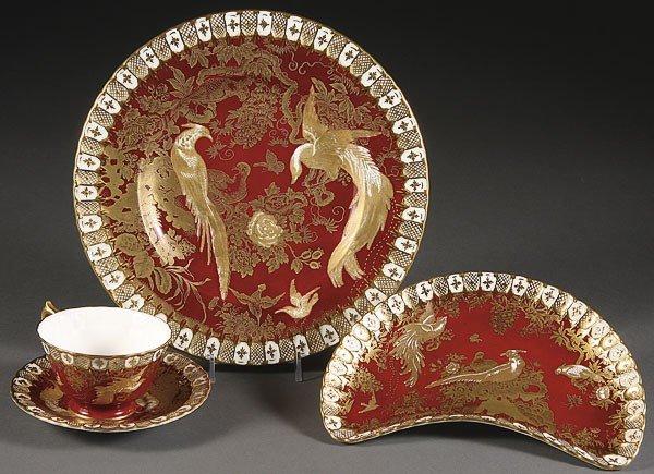 1049:  ROYAL CROWN DERBY GOLD AVES  PORCELAIN