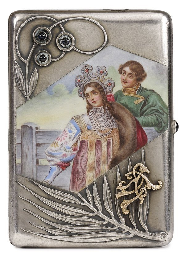 16: RUSSIAN SILVER AND EN PLEIN ENAMEL CIGARETTE CASE