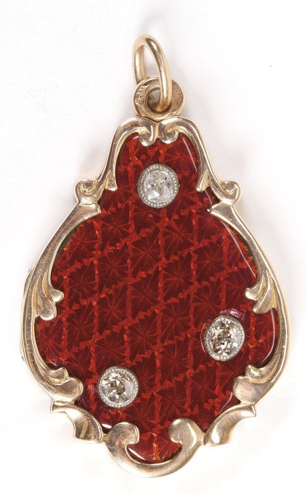 21: RUSSIAN GOLD & DIAMOND GUILLOCHE PENDANT LOCKET