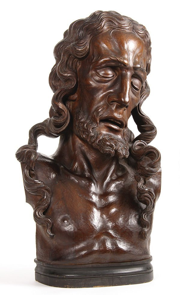 146: A VERY FINE CARVED WOOD  BUST OF CHRIST