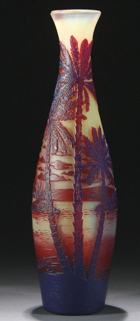 552: DE VEZ FRENCH CAMEO ART GLASS VASE CIRCA 1900
