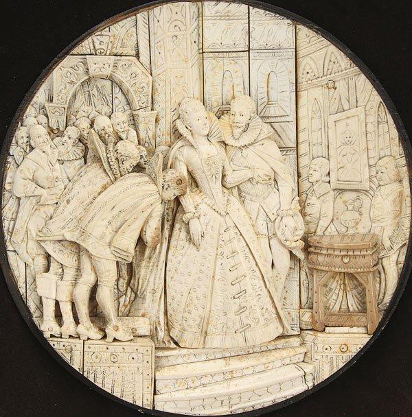 595: 18TH CENTURY CARVED IVORY PLAQUE  QUEEN ELIZABETH