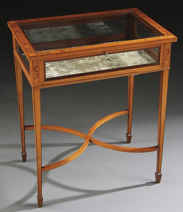 668: LOUIS XVI STYLE MARQUETRY TABLE DISPLAY CABINET