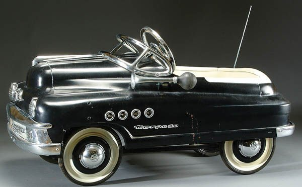 5: A CUSTOMIZED 1953 BUICK ROADMASTER PEDAL CAR pres