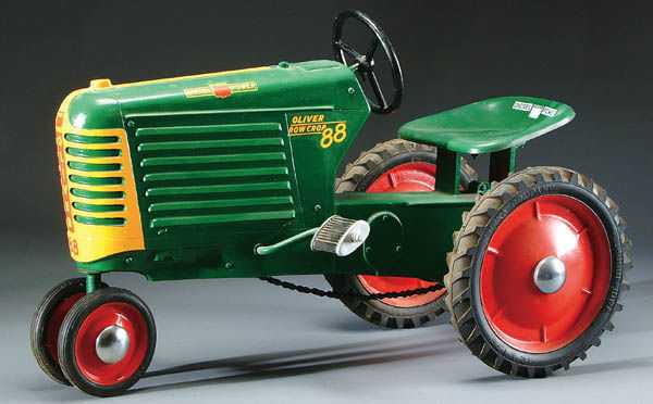 10: AN OLIVER MODEL 88 SMALL CLOSED GRILL PEDAL TRACTOR