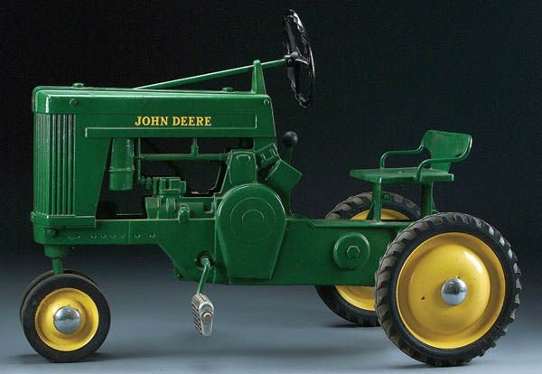 16: A JOHN DEERE MODEL 60 LARGE TYPE 4 PEDAL TRACTOR