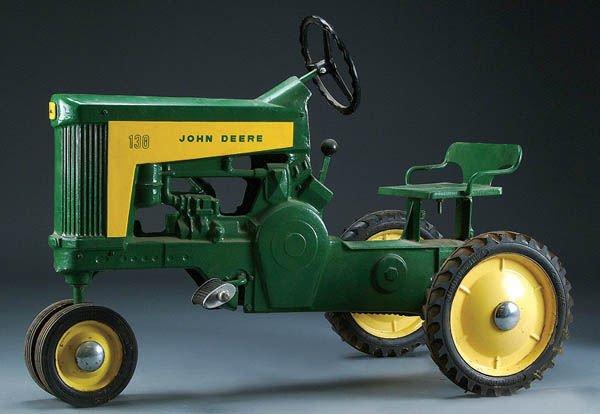 18: A JOHN DEERE MODEL 130 PEDAL TRACTOR circa 1959,