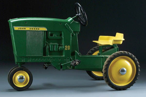22: ANOTHER JOHN DEERE MODEL 20 PEDAL TRACTOR circa 1