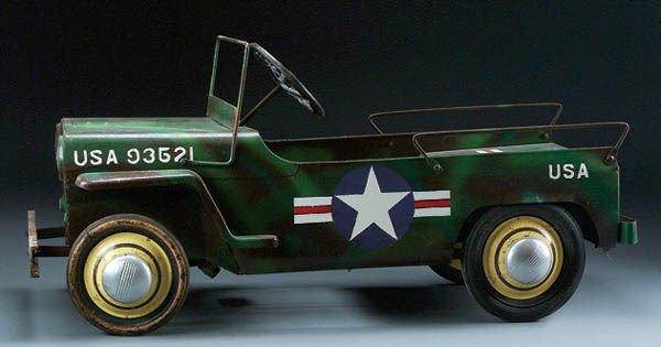 87: A GARTON AIR FORCE JEEP PEDAL CAR circa 1962, tog