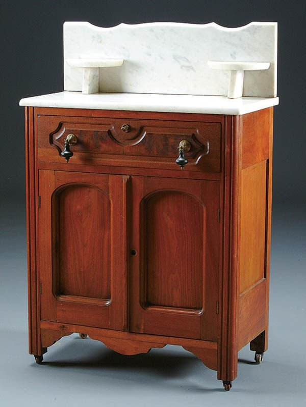 990: A FINE VICTORIAN WALNUT COMMODE with single drawe