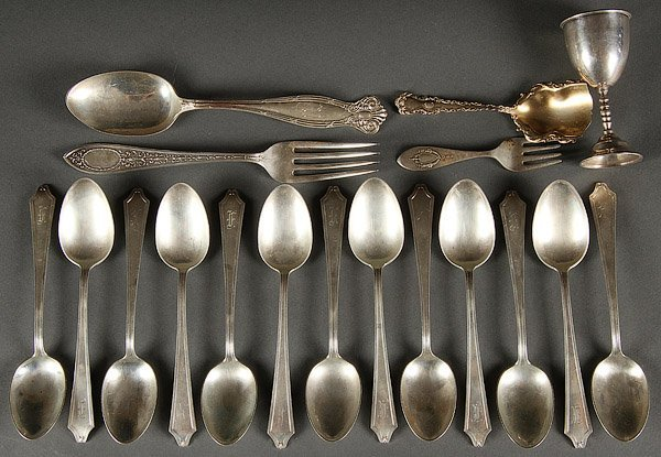 A SOUVENIR SPOON AND STERLING FLATWARE GROUP