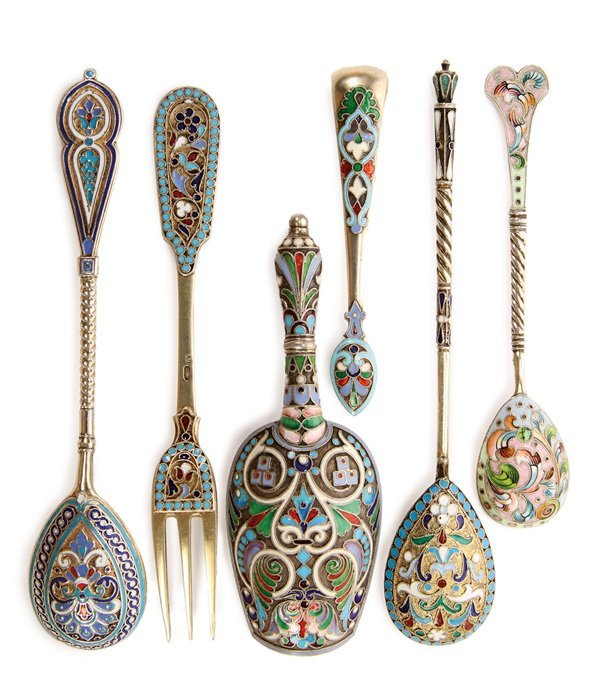 6 RUSSIAN SILVER AND ENAMELED UTENSILS