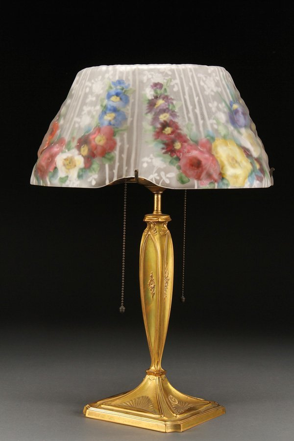 """551: A PAIRPOINT """"PUFFY"""" REVERSE PAINTED TABLE LAMP"""
