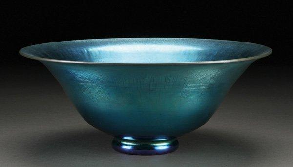 570: A STEUBEN BLUE AURENE ART GLASS CONSOLE BOWL