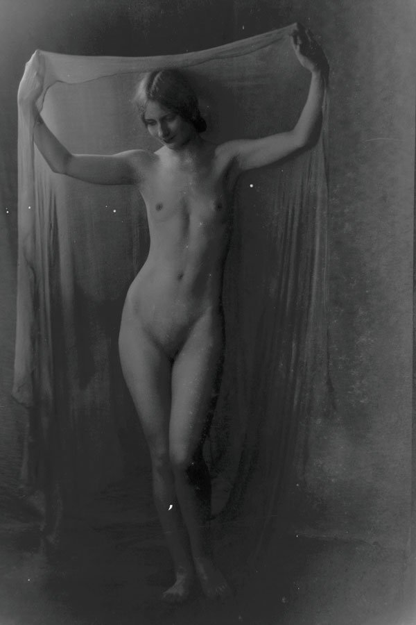 ARNOLD GENTHE FEMALE NUDE PHOTO GROUP - 3