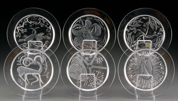 6 LALIQUE FRENCH ART GLASS ANNUAL PLATES