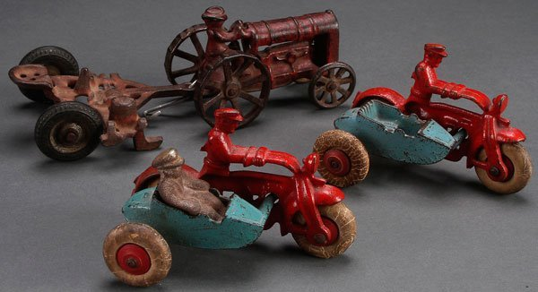 2 HUBLEY CAST IRON MOTORCYCLE COPS WITH SIDE CAR TOYS