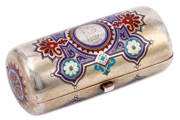 A RUSSIAN SILVER AND ENAMELED CIGARETTE CASE