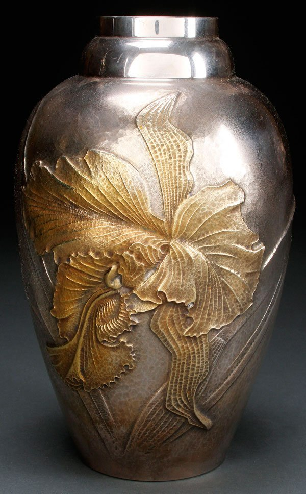 A JAPANESE SILVER AND PARCEL GILT VASE, TAISHO-SHOWA