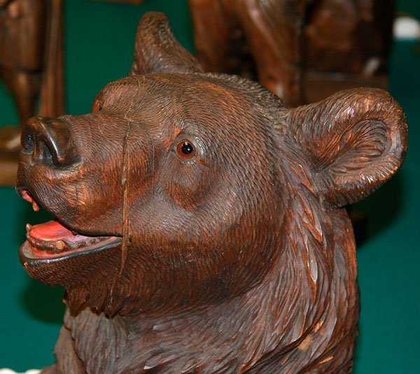 A BLACK FOREST SWISS CARVED BEAR UMBRELLA STAND - 3