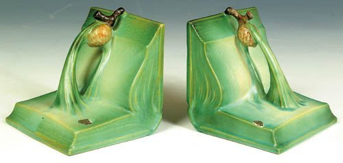 """15: A PAIR OF ROSEVILLE """"PINECONE"""" BOOKENDS"""