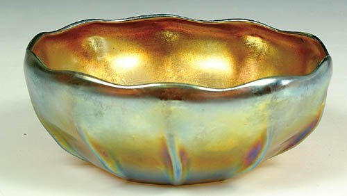 1263: AN L.C. TIFFANY FAVRILE GLASS BOWL, cir