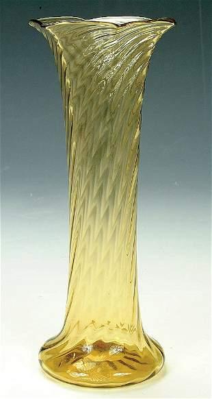 A STEUBEN GLASS VASE, circa 1930, in to