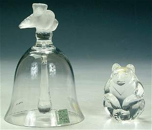 A LALIQUE CRYSTAL BELL with figural bir