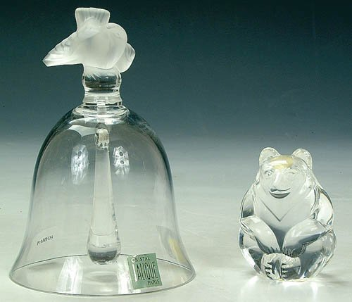 1278: A LALIQUE CRYSTAL BELL with figural bir
