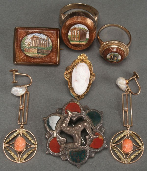 A LADY'S VICTORIAN JEWELRY GROUP