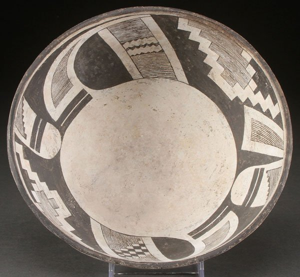 MIMBRES BLACK ON WHITE POTTERY BOWL