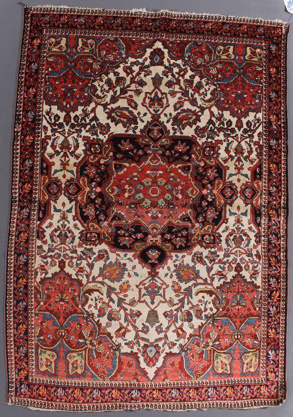 A GOOD PERSIAN FARAHAN SAROUK ORIENTAL RUG