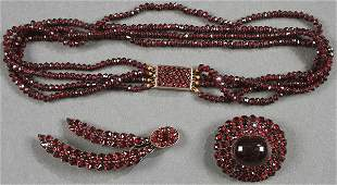 A FINE GROUP OF GARNET JEWELRY, LATE 19TH/EARLY