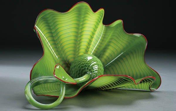 516: DALE CHIHULY (American b. 1941) Leaf green Persia