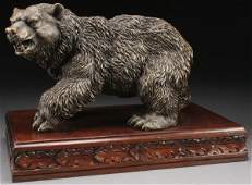 FINELY SCULPTED PATINATED BRONZE BEAR