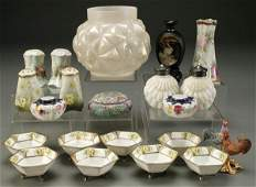 575 A 20PIECE GROUP OF VINTAGE CERAMICS AND GLASS in