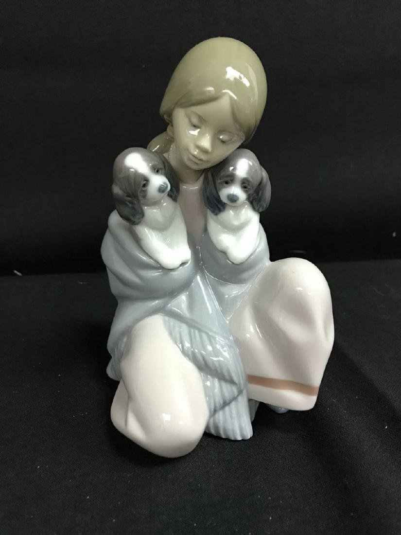 Lladro Snuggle Up 6226 Statue 6.25 Inches Tall