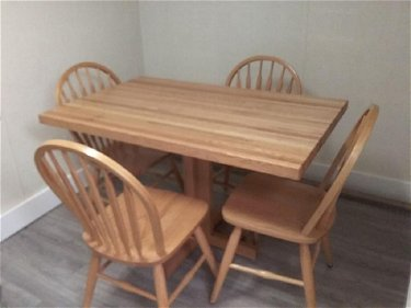 Pine Kitchen Table and 4 Spindle Back Chairs table 30