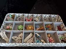 Lot of Costume Jewelry PICK UP IN PECONIC/RIVERHEAD