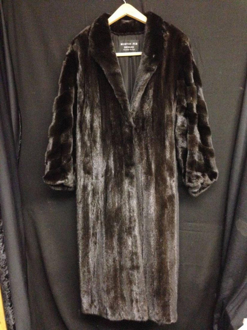 Black Mink Coat Morton Fur Design Size M Sleeve Design