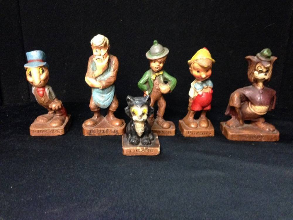 Lot Of 1940s Disney Multi Products Figurines