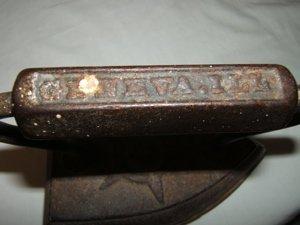 357: Antique No. 7 Iron Geneva, IL - 3