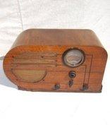 2: Antique Deco style Philco Radio in Walnut