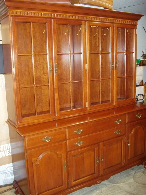 213: Ethan Allen Early American Cherry Wood China Cabin
