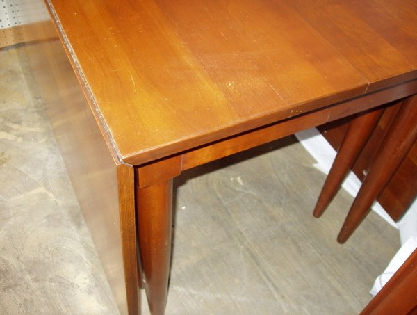 217: Willett Drop-leaf Dining Room Table Cherry - 2