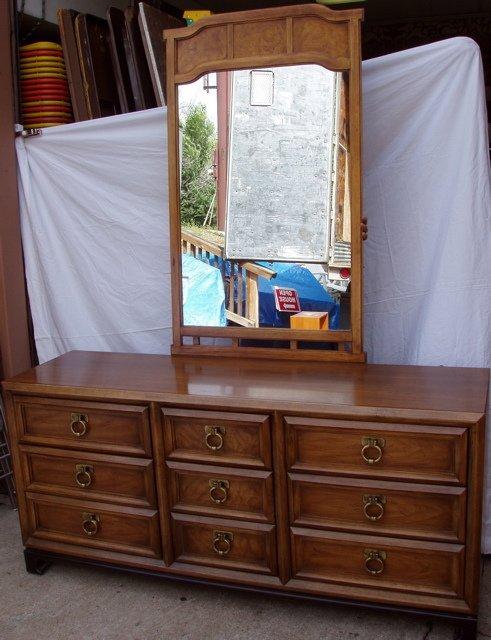 219: Thomasville Dresser and Mirror Oriental Style