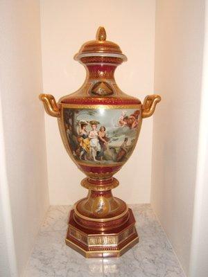 302:  Antique Royal Vienna Austrian Urn