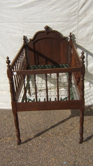 324: Antique Victorian Youth Bed